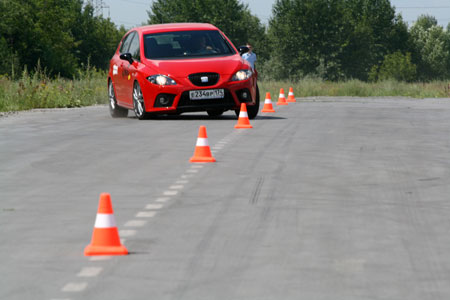 Тест-драйв Honda Civic Type R и Seat Leon Cupra